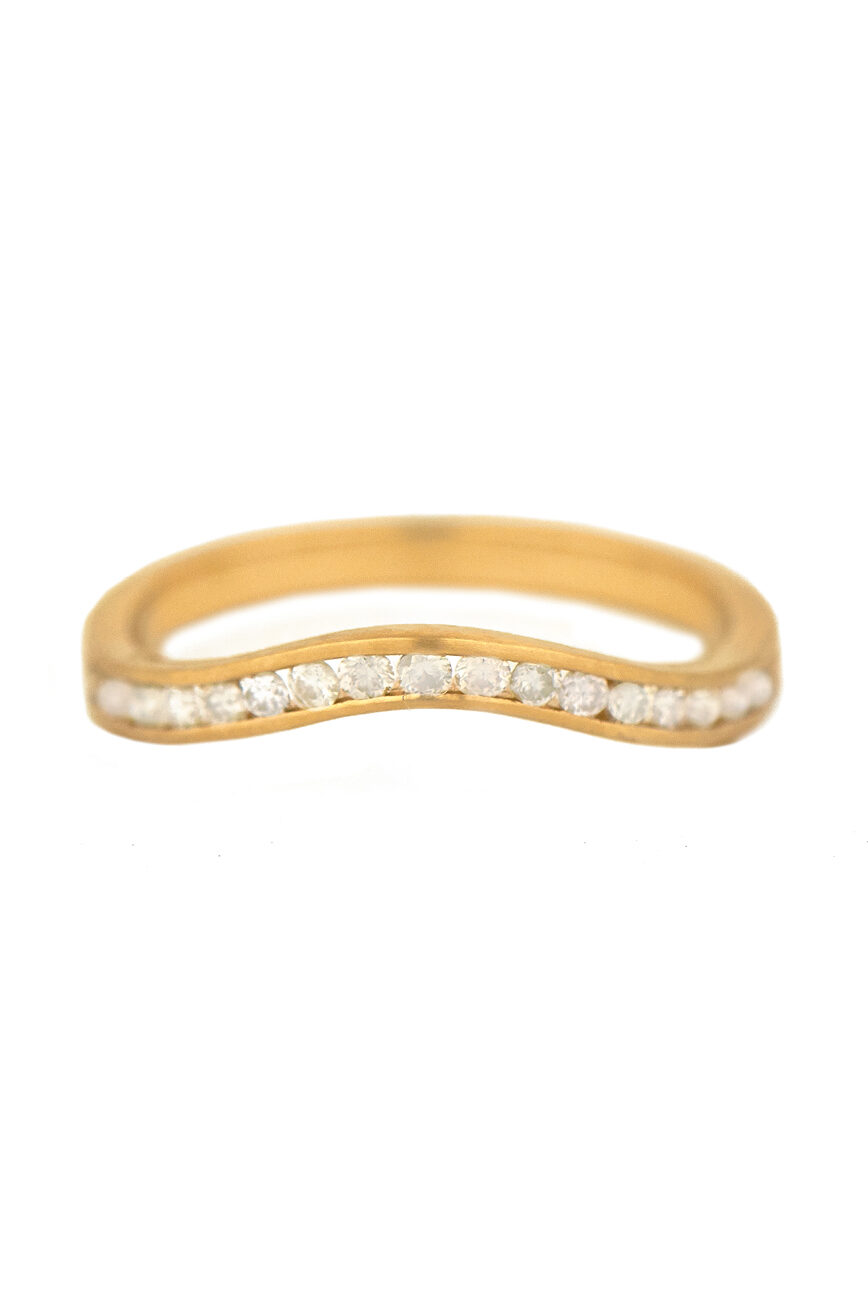 Celine Daoust Bridal Wedding Band Simple wave Rail and Diamonds
